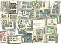 Europe - Timbres, blocs-feuillets, blocs de 4 neufs, en pochettes cristal