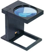 Folding magnifier with light - 110mm lens 2,5x magnifying power