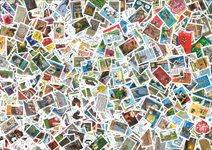 France - 1000 timbres commémoratifs différents