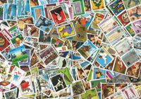 Paraguay - 1100 different stamps