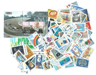 SUOMI - 123 erilaista postimerkkiä ja 2 blokkia