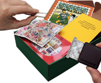 Begyndersæt med frimærker, tørrebog, indstiksbog med fodboldillustration mm