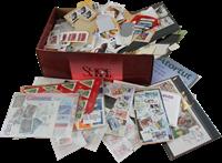 Caja de zapatos con contenido interesante y encartes suplementarios